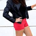 Pantalón corto rojo