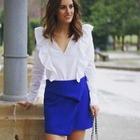 Minifalda azul eléctrico