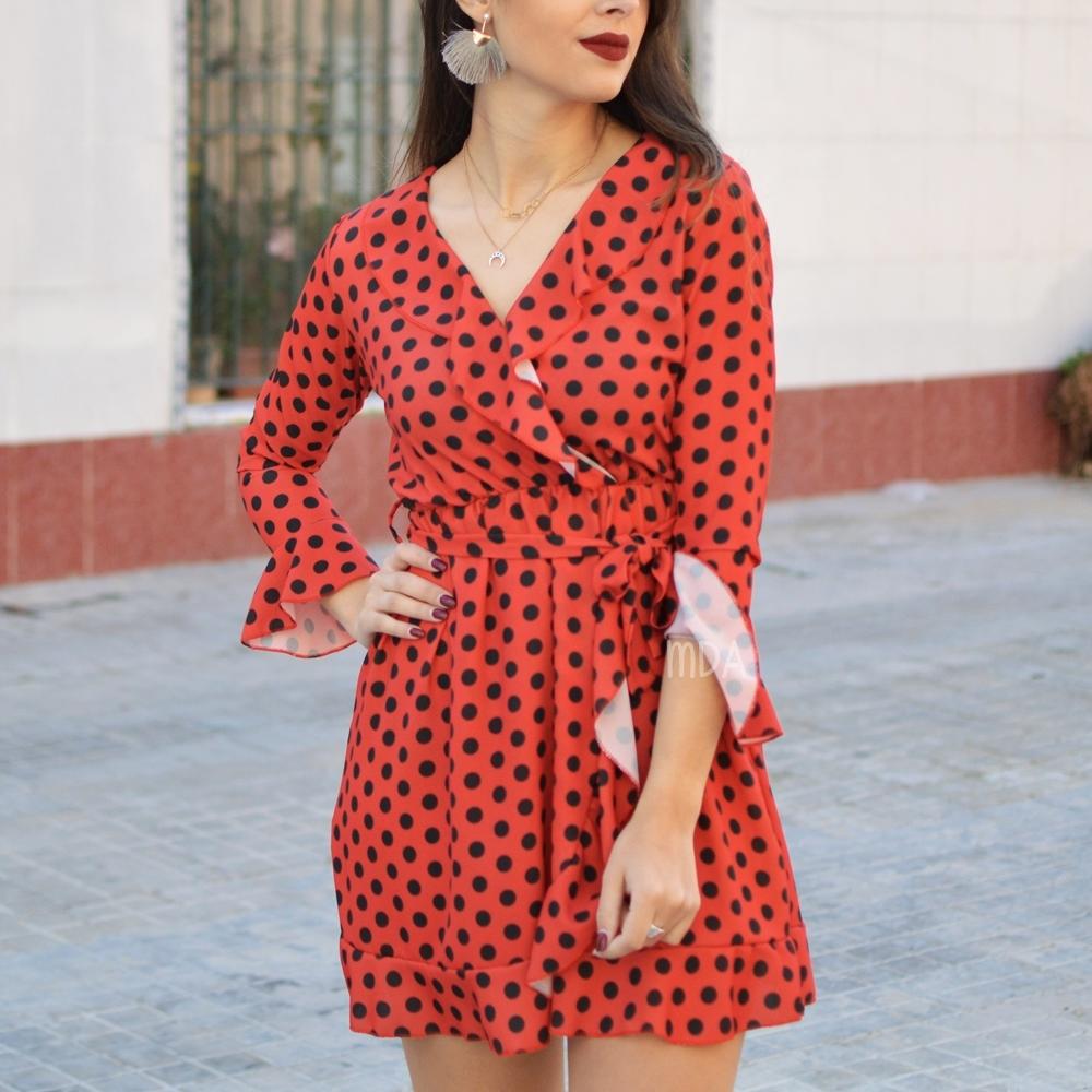 Vestidos lunares rojo y negro